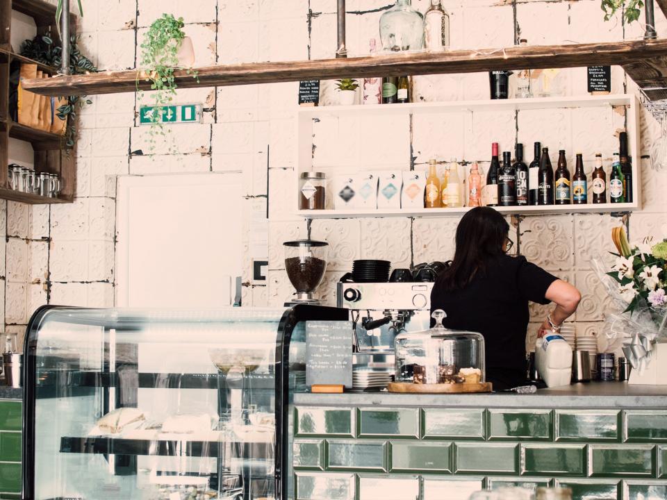 caffè a casa o al bar
